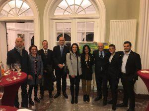 Famiglia Rosa con il Console M.Costa  e altri diplomatici dell'Ambasciata d'Italia