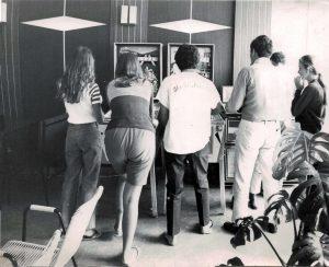 Anni 70_Giovani al bar-Foto